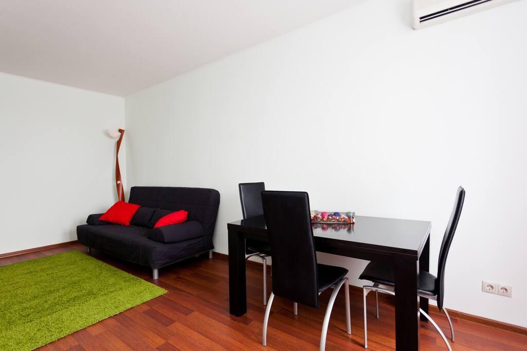 Living room (Гостиная)