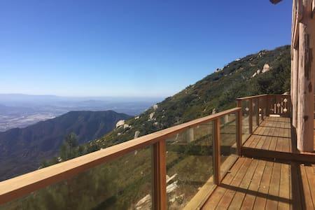 Historic & Unique Mountain Lodge- Views! - Casa