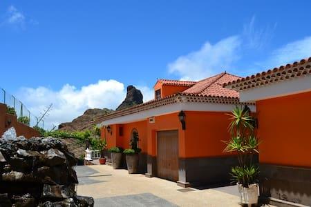 Casa unifamiliar frente al Bentayga - Tejeda - Casa