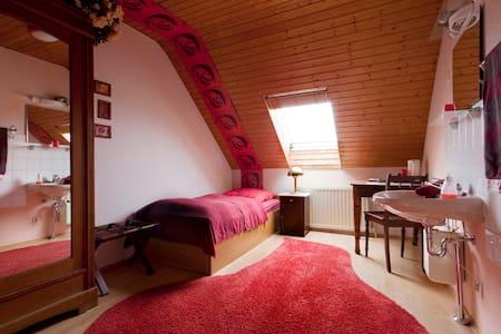 Messe Und Monteurszimmer, Single - Bed & Breakfast