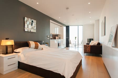 contemporary central london studio london borough of southwark airbnb london office