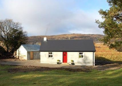 Kitty's cottage in lovely Donegal - Blockhütte