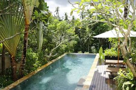 A peaceful hillside retreat sitting on the edge of Petanu River valley. Offering modern rooms with free Wi-Fi & shuttle to Ubud. The resort features a mix of modern and traditional Balinese architecture, spacious courtyards & an unforgettable view