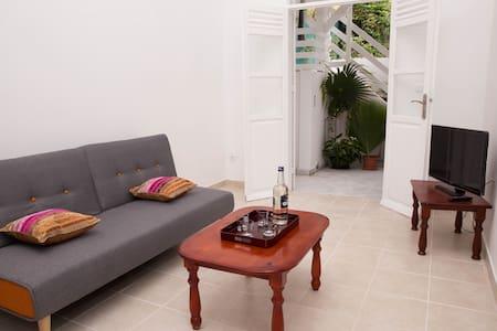 Appartement Kamélia - Location vacances au Moule - Pis