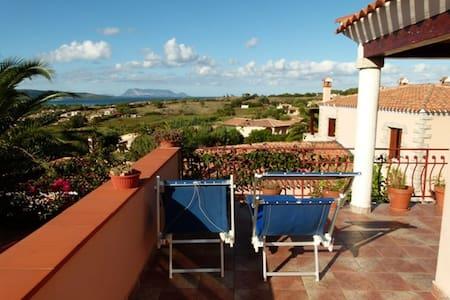 Splendito panorama di Tavolara. - Apartment