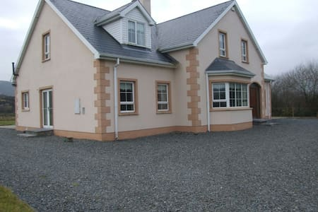 Beautiful, spacious house to let - Clonmany