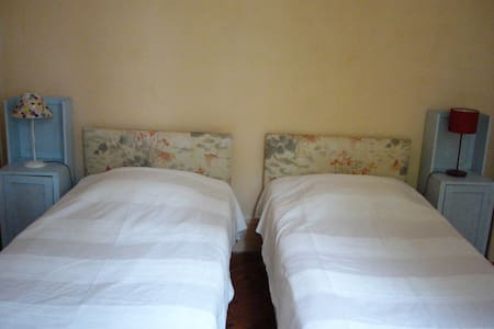Bedroom Double 6 km from the sea - Theuville-aux-Maillots - Penzion (B&B)