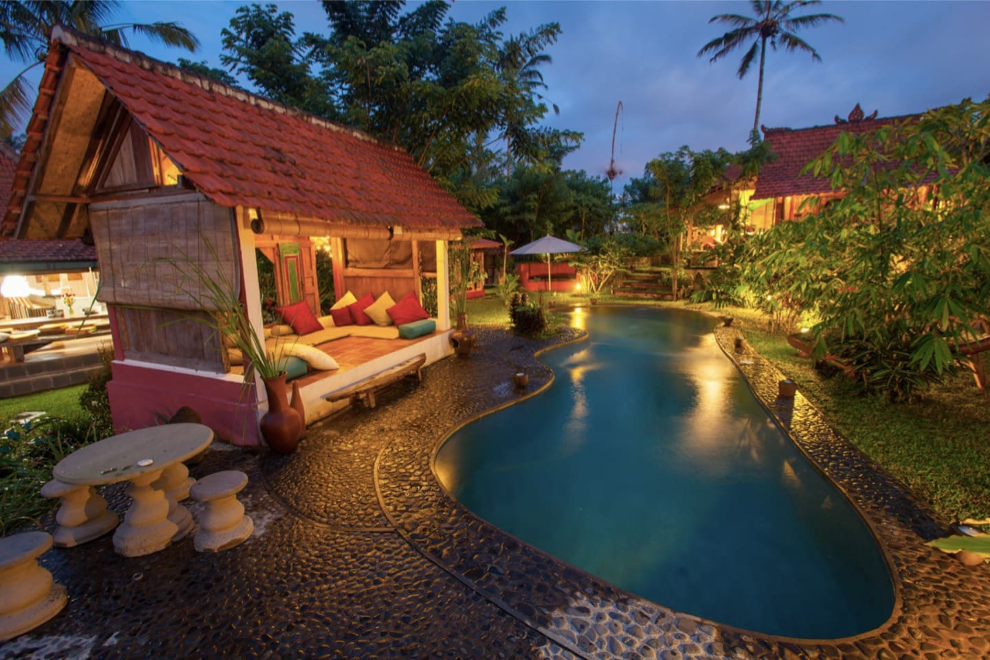 Hati Suci: Rustic Luxury Sanctuary