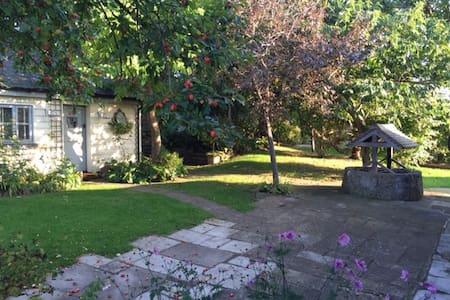 Idyllic Garden Cottage near Arundel - Wepham