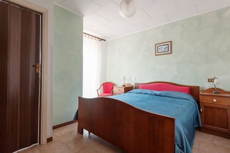 Tuscany HiIls and 5terre!!! - Comano - House