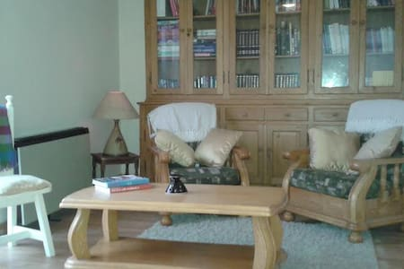 Wood Rd Lodge,  Ardfield sleeps 5  - Clonakilty - House
