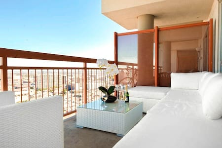 The Penthouse: Best View & Location