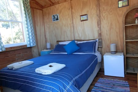 Weka Cabin,AoMarama Eco Retreat. - Collingwood - Stuga