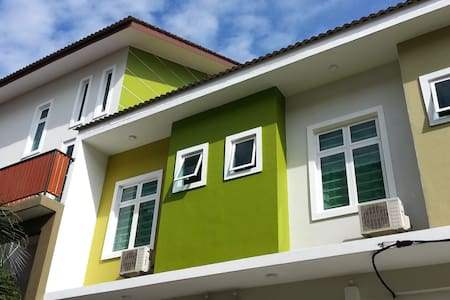 Nature Vegetarian Guest House, TWIN SHARING - Melaka Tengah