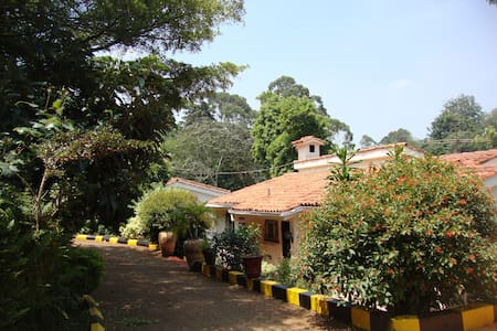 Low Cost Accommodation, Prime Area - Nairobi - House