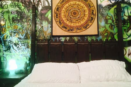GOTHIC ROOM - $50 * AIRPAD SPECIAL