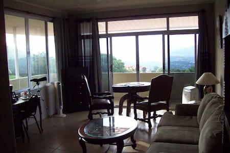 Amazing View-Private Luxury 360* Balcony Apartment - Bed & Breakfast