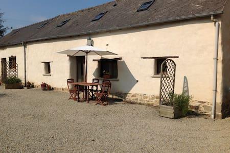 Tastefully refurbished Breton gite - Huis