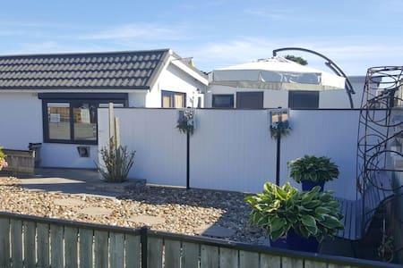 Gemütliches strandnahes Ferienhaus,Burgh-Haamstede - Burgh-Haamstede - Ház
