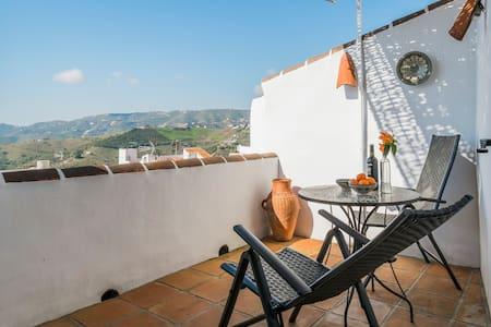 Charming house with amazing views - Frigiliana