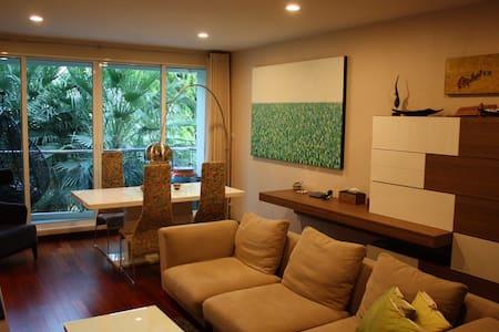 Cozy Condo, River View, 2bed/2bath - Apartament