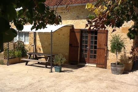 Nr Sarlat in Daglan, Dordogne - Daglan