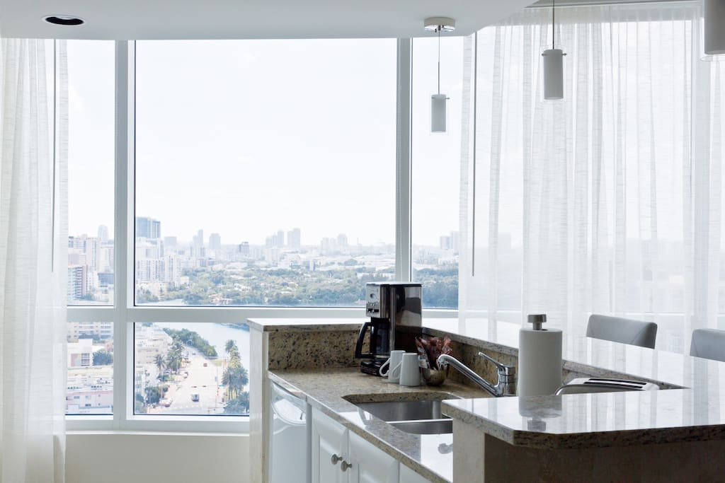 Fontainebleau 1 Bedroom Suite 22 Apartments For Rent In Miami Beach