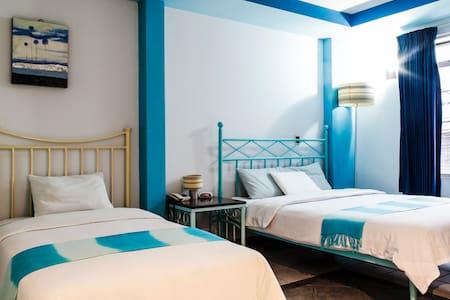 Blue Room. 2 Beds. Casa Cambranes