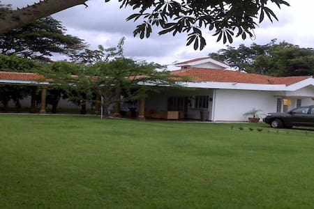Villa para descanso  segura completamente equipada - Villa