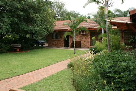Tamboti House - Guesthouse