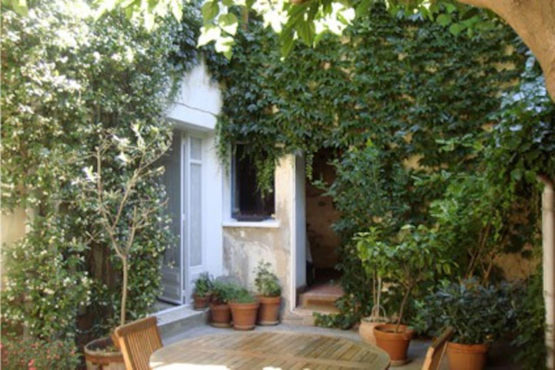 interior private Courtyard