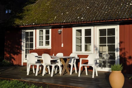 Peaceful living in southern Skåne - Bed & Breakfast