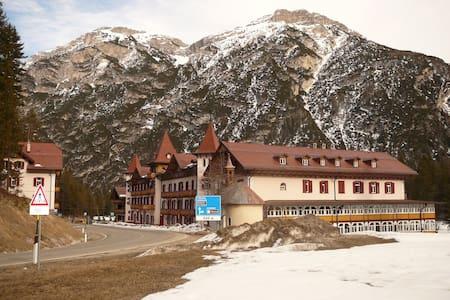 Appartamento in multiproprietà a Cortina alta!!! - Province of Bolzano - Apartemen