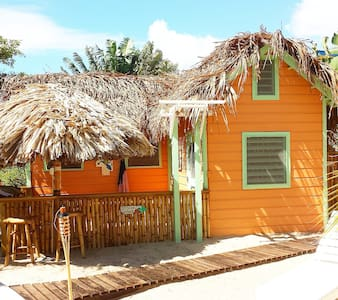 Boutique Microresort on HGTV! - Placencia - Stuga