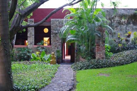 Inside a XVII th century hacienda - Dům
