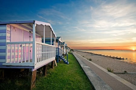 Delightful Quirky Holiday Cottage - Whitstable - Other