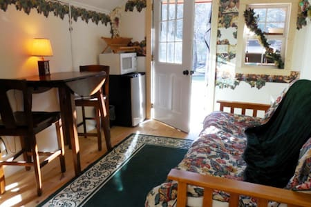 The Cove Camping Cottage - Hendersonville - Stuga
