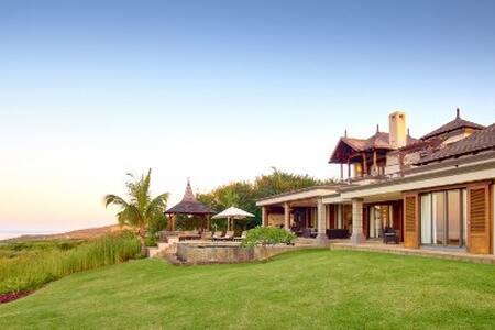 4 bedrooms Villa - Golf & sea view - Villa