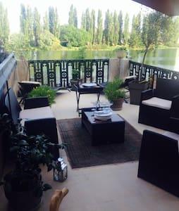 Appartement superbe vue (Chambre 2 - Chalon-sur-Saône - Bed & Breakfast