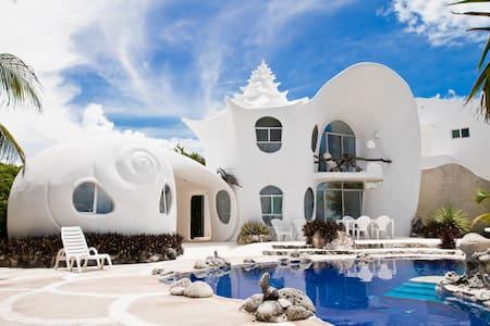 The Seashell House ~ Casa Caracol