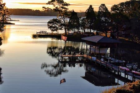 Waterfront Cottage Pool,Pier,Kayaks - Huis
