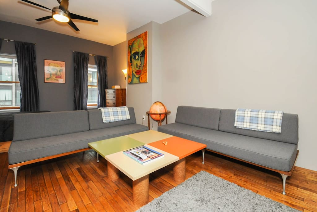 Located in vibrant downtown area with great dining and shopping, also within walking distance from Center City, Temple & Drexel Universities.  This is a smoke free building!