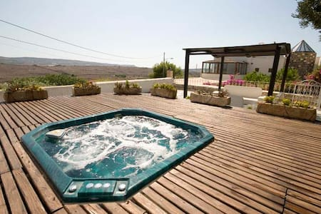 Extraordinary Tal Magna with Pool - Mgarr - Hus