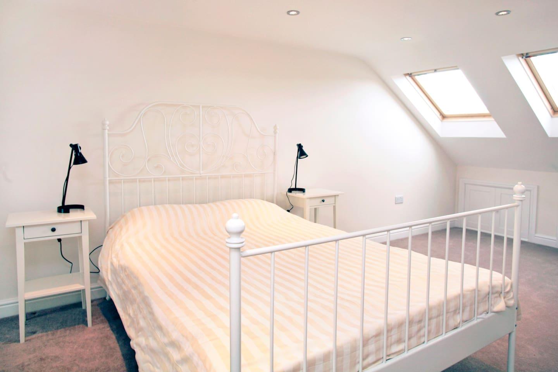 3 bedroom, 3 bathroom house London