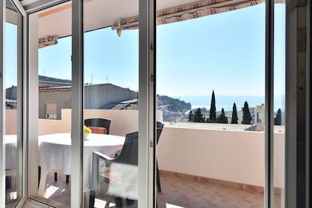 Amazing Seaview 2BD Modern apt(4+2) - Dugi Rat - Apartemen