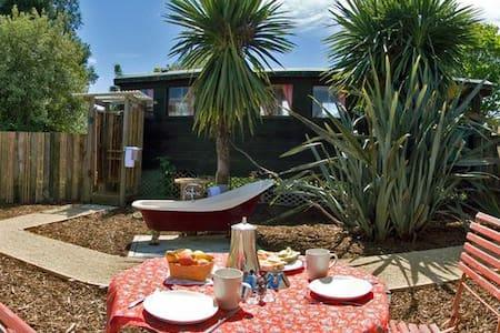 Romantic Getaway - The Caboose - Motupipi