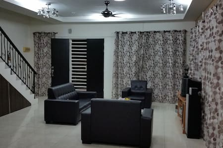 Private Room Double Storey House Bandar Cyber Ipoh - Ev