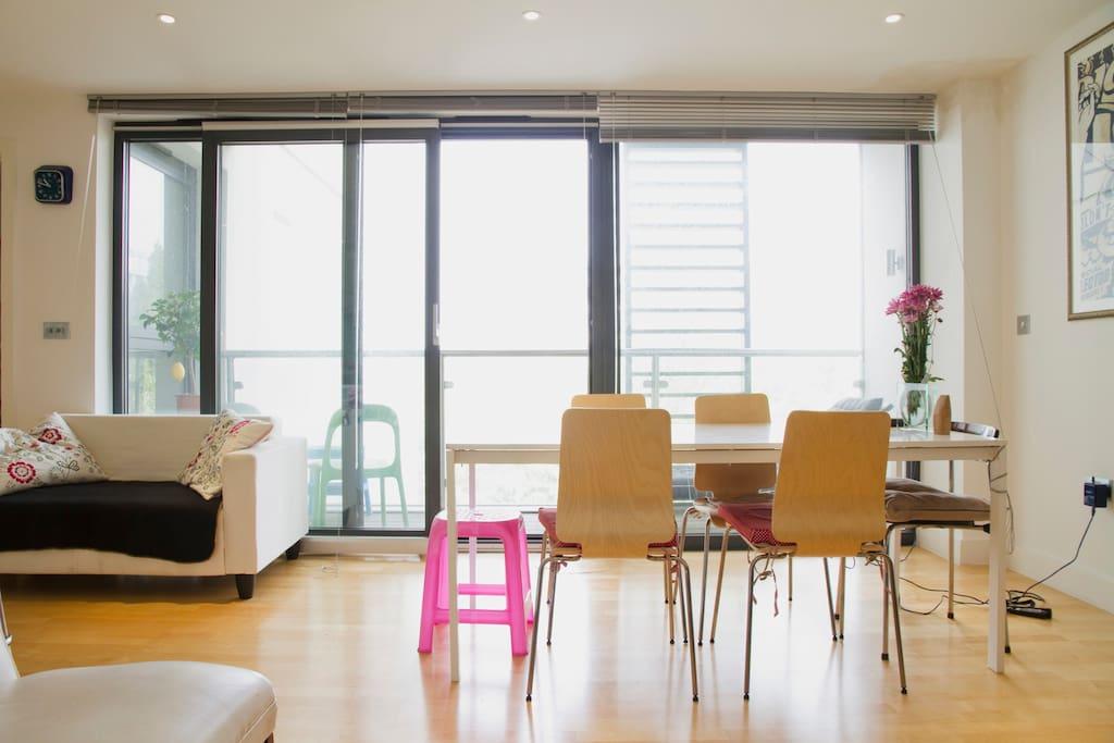 Big, modern flat in Bethnal Green