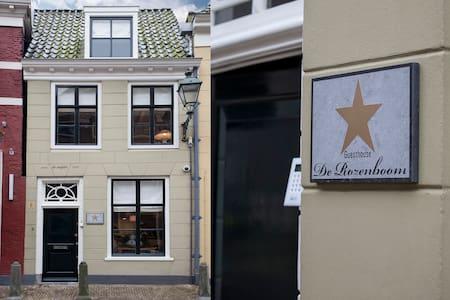 City Centre Guesthouse De Rozenboom - Haus