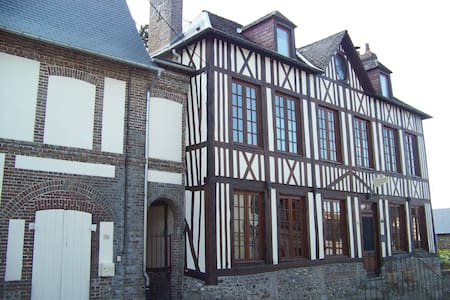 Maison Dr Vassaux B&B  Houat - Bed & Breakfast